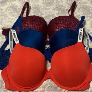 3 Victoria's Secret Bra's 32DDD